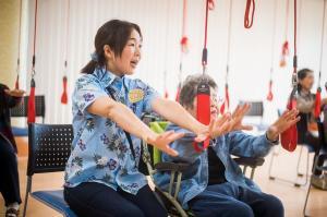 様々な福祉施設からご自身の体験したい場所を選択できます。例えば、大型の高齢者デイサービスで、リハビリ業務の体験ができます!